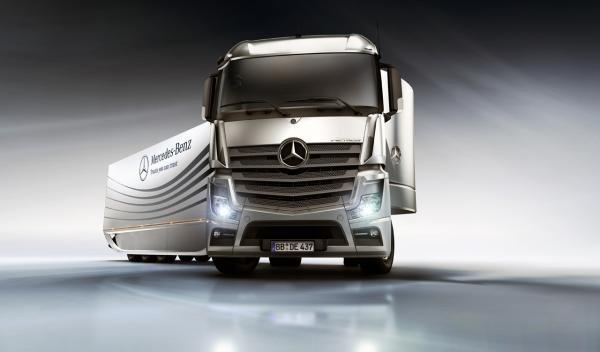 z10811285Q,Ekologiczna-ciezarowka-Mercedesa